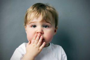 Как и чем лечить нервный тик у ребенка
