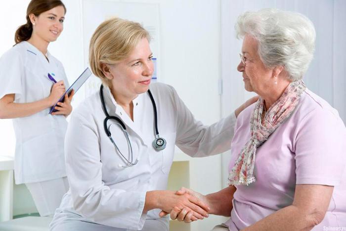 Пожилым людям требуется постоянный мониторинг организма на остеопороз