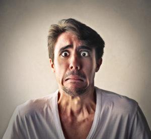 Каковы симптомы и признаки паранойи у мужчин и женщин