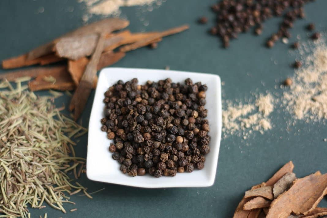 Как лечить сухой кашель чёрным перцем?