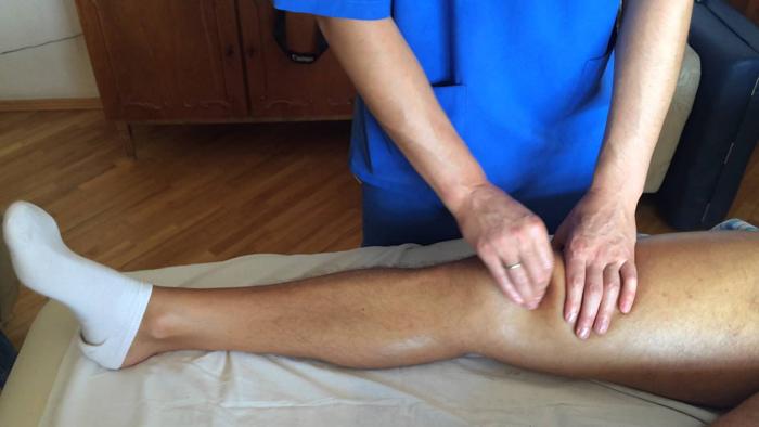 Массаж при травме коленного сустава