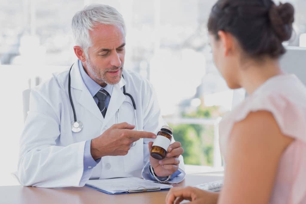 Лечебная терапия пневмонии при ВИЧ определяется врачем индивидуально в каждом случае