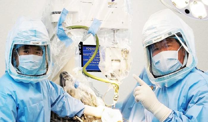 Современная роботизированная операция по удалению грыжи позвоночника