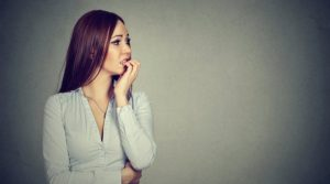 Симптомы и лечение фобии боязни людей