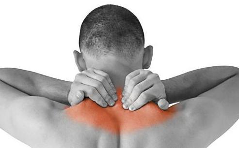 Прогревающие пластыри крайне эффективны при шейном остеохондрозе