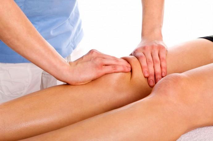Массажирование коленного сустава при артрозе