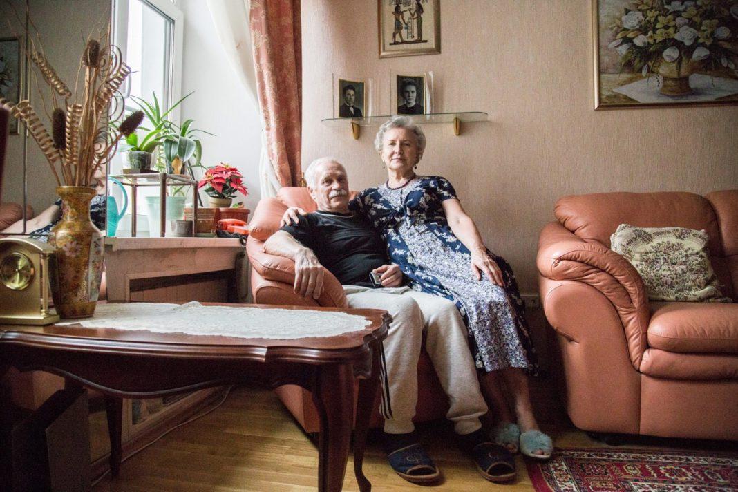 Откуда появляется неприятный «аромат» в квартирах пожилых людей?