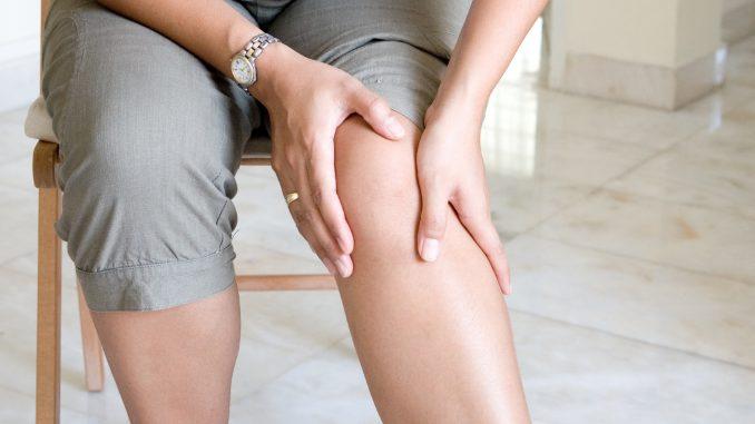 ЛФК показана при болях в коленных суставах