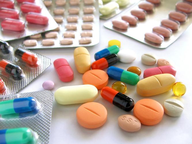 На ранних стадиях заболевания обычно эффективна пероральная противомикробная терапия