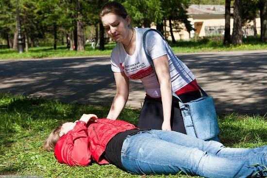 Первая помощь пострадавшему с переломом позвоночника