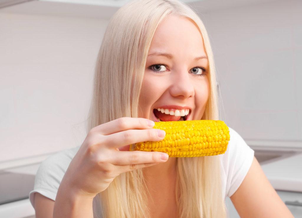 Способствует Ли Кукуруза Похудению. Можно ли есть кукурузу при диете: польза и вред