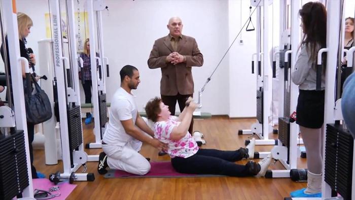 Лечение остеохондроза по Бубновскому базируется на занятиях гимнастикой и коррекции образа жизни