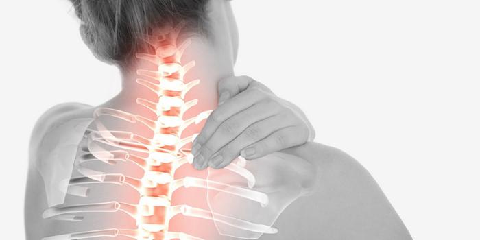 Боли на фоне остеохондроза встречаются примерно у 95% пациентов