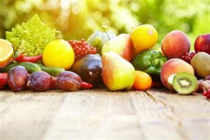 Свежие фрукты и овощи