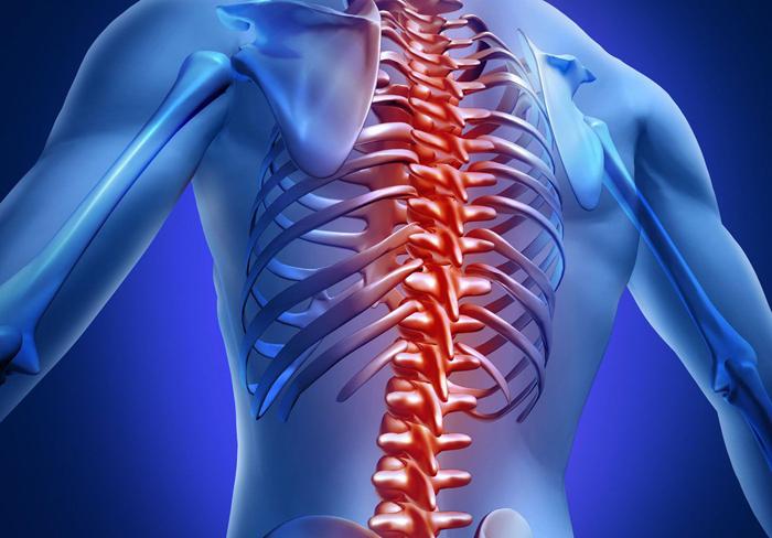 При переломе позвоночника возникает сильнейшая боль