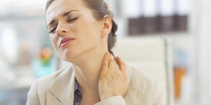 Боли во время обострения шейного остеохондроза
