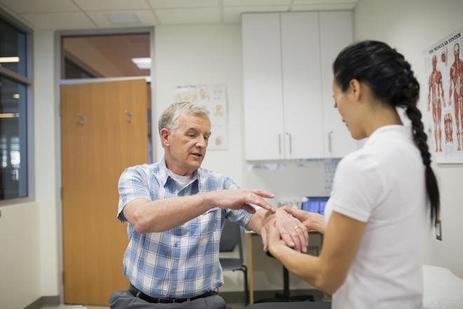 Перед использованием такой методики лечения нужно обязательно проконсультироваться с врачом (желательно артрологом)