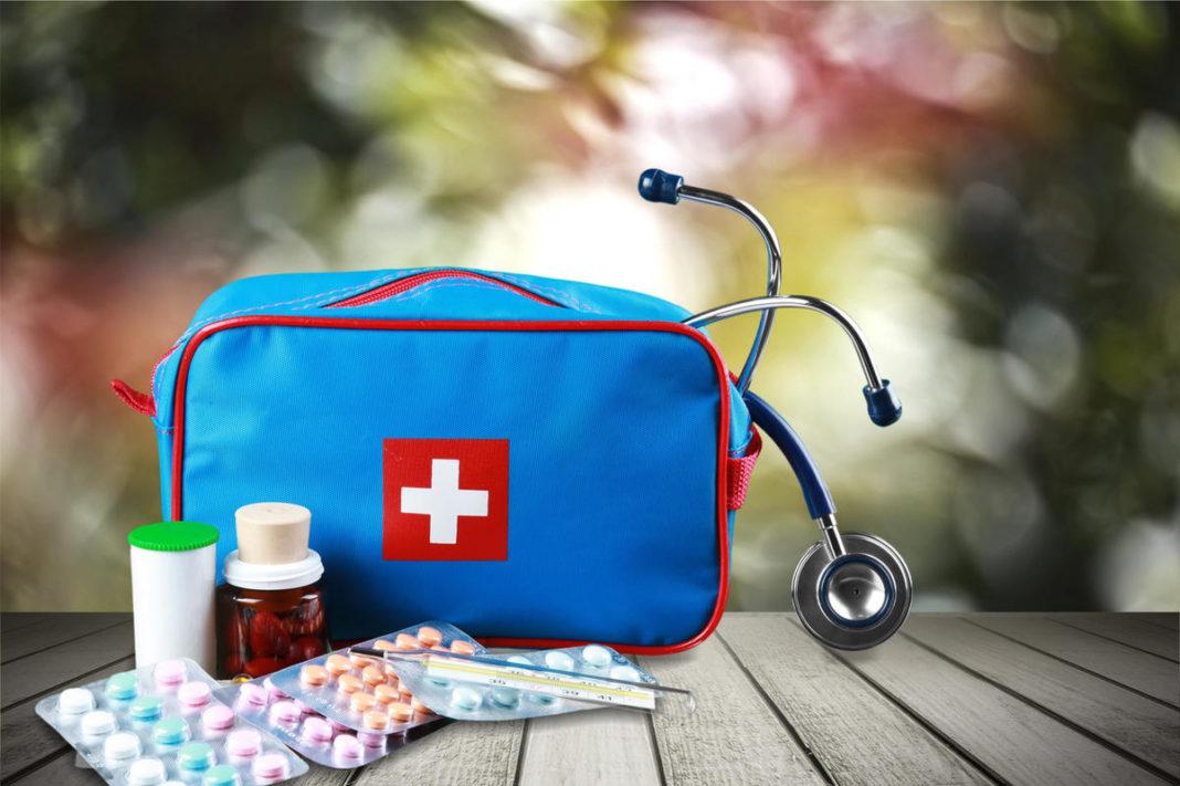 Какой должна быть аптечка в дорогу для всей семьи?