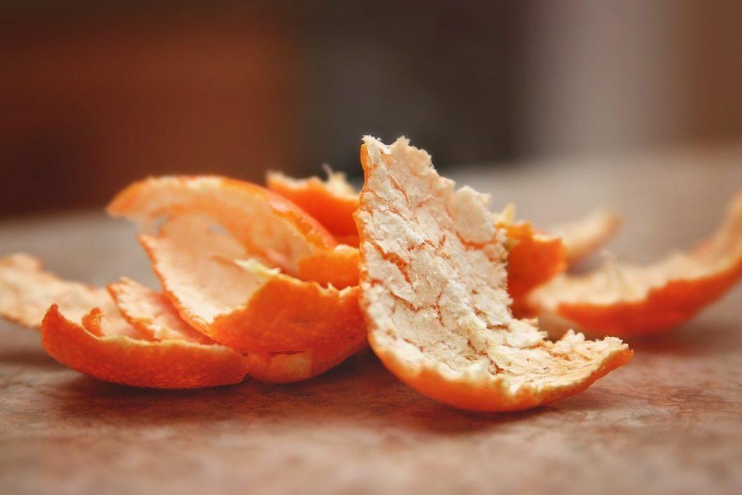 Бронхит и кашель вылечит кожура мандарина