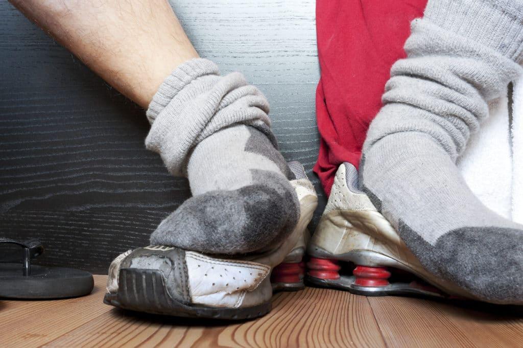 Грибок лёгких из-за привычки нюхать свои носки