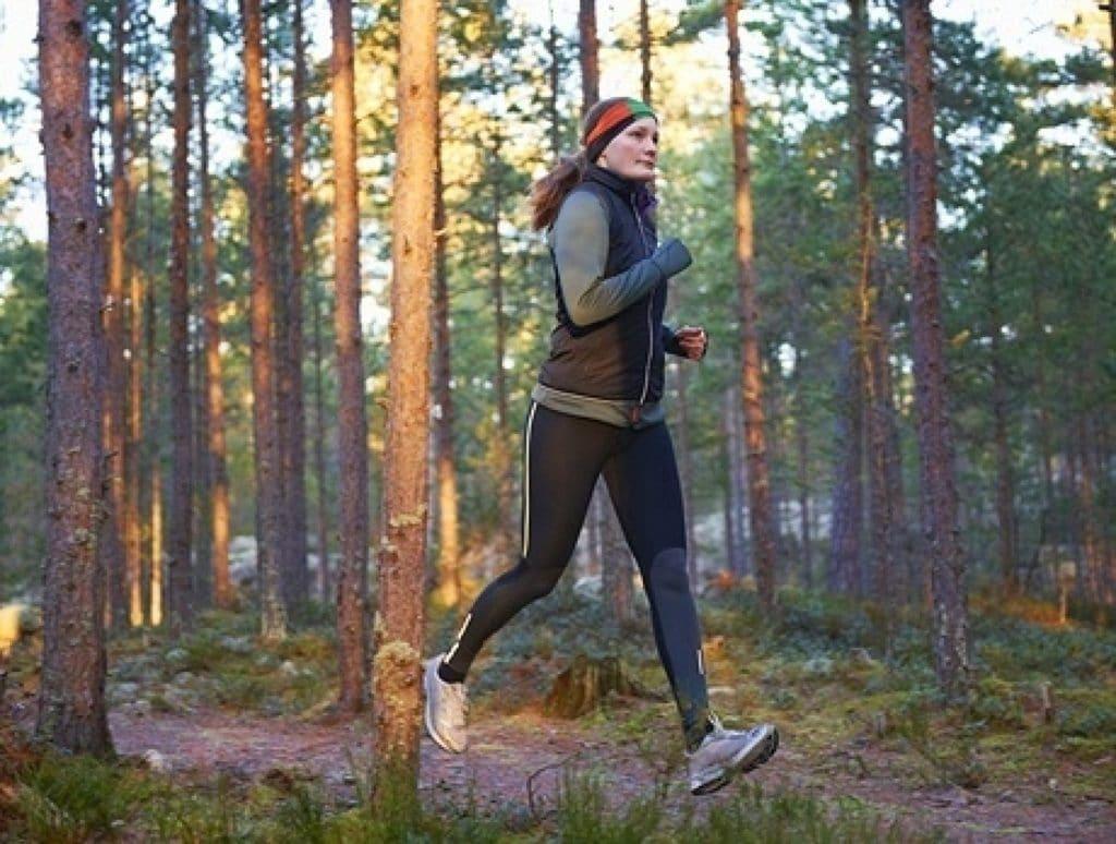 В период выздоровления после повторной пневмонии рекомендованы легкие физические нагрузки