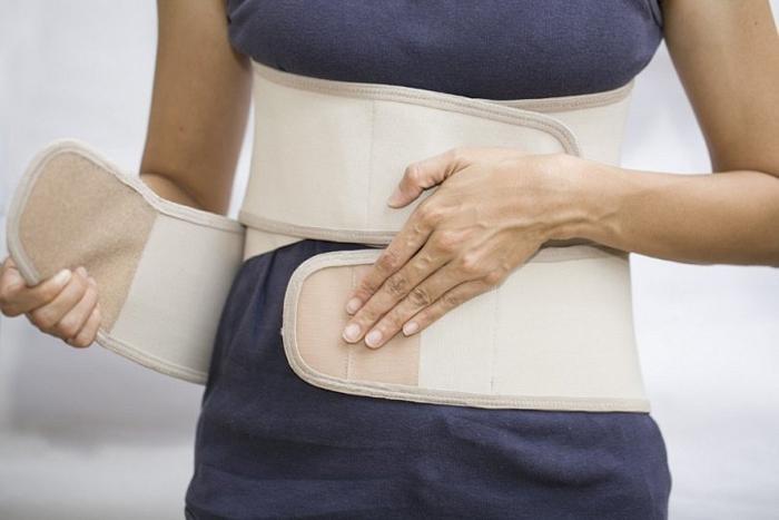 Лечение перелома позвонков с помощью бандажа