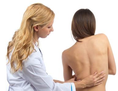 Рекомендации по ЛФК при сколиозе может дать только врач