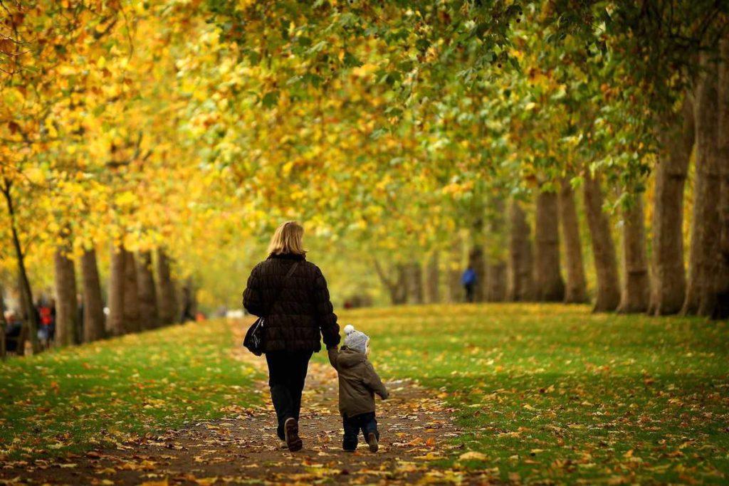 Доктор Комаровский, о том стоит ли гулять с ребенком при простуде