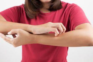 Может ли чесаться тело от нервов и лечение