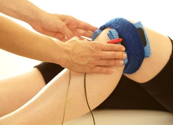 Амплипульстерапия коленных суставов